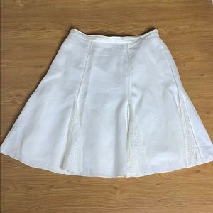 White 100% Linen pleated Knee length Skirt Size 14